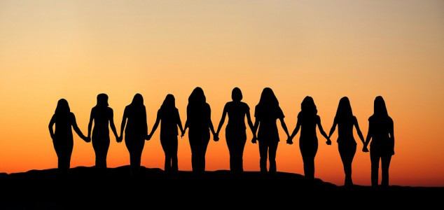 women-hand-in-hand-634x300_orig